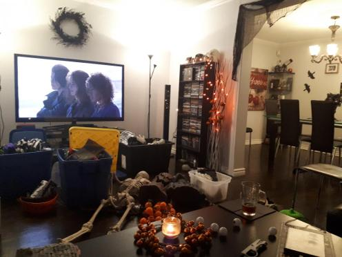 Halloween decorating 1