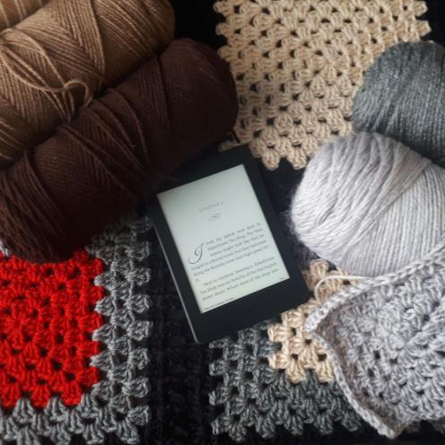 Vampire Knitting Club open