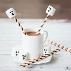 Marshmallow-Ghost-Hot-Chocolate-Halloween_320x320_crop_center